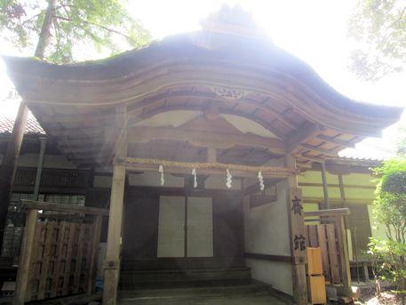 大神神社の斎館