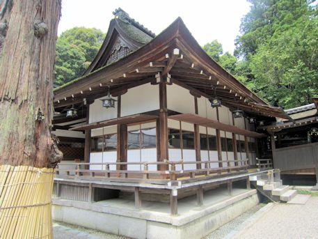 大神神社の到着殿