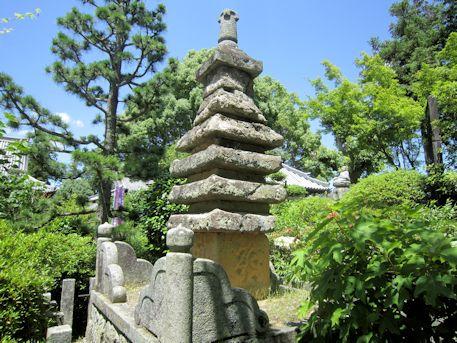久米寺の七重石塔