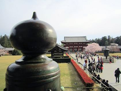 大仏殿擬宝珠と中門