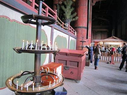 東大寺大仏殿の蝋燭