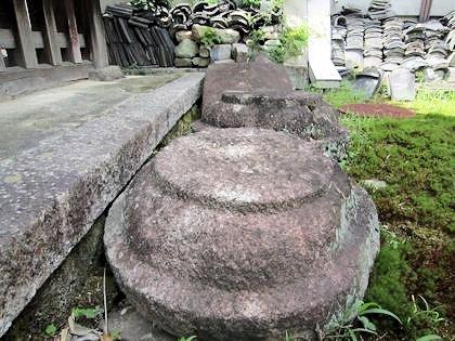 唐招提寺の礎石
