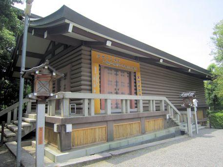 大神神社の宝物収蔵庫