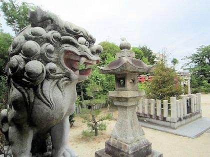 宗我都比古神社の狛犬と祓所