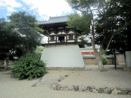 新薬師寺の鐘楼