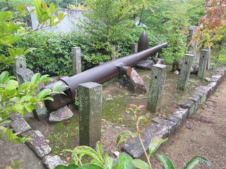 龍田大社の加農砲