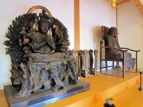 達磨寺の木造千手観音坐像