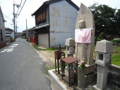 石原田町の地蔵
