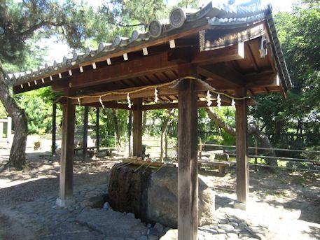 三島神社の手水舎