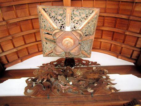 三島神社拝殿の龍