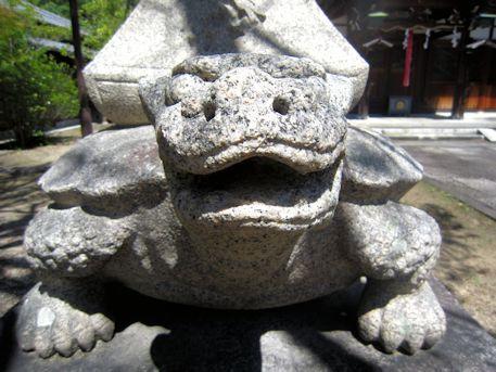 三島神社の亀燈籠