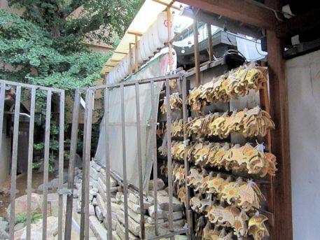 御金神社のイチョウと銀杏絵馬