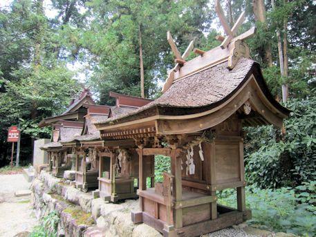 高鴨神社の摂末社