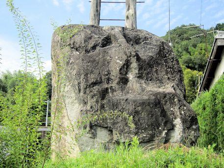 神籠石の巨石