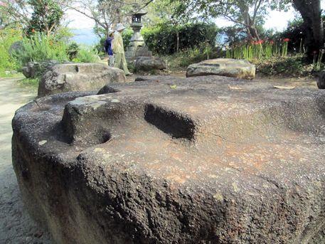 本薬師寺跡の礎石