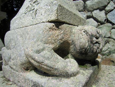 高鴨神社石灯籠