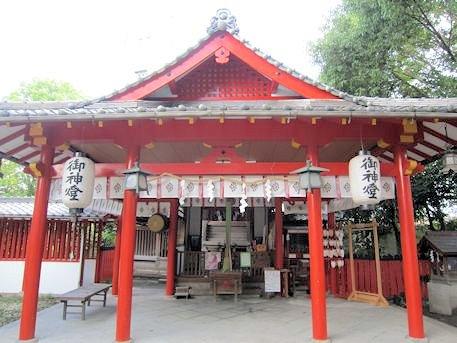 源九郎稲荷神社拝殿