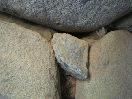 谷首古墳の羨道