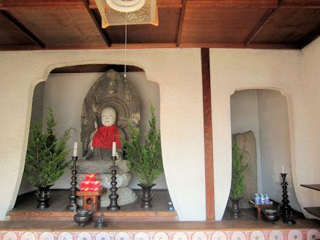 大念寺泡子地蔵と阿弥陀石仏