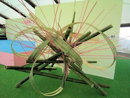 大型テントの竹細工