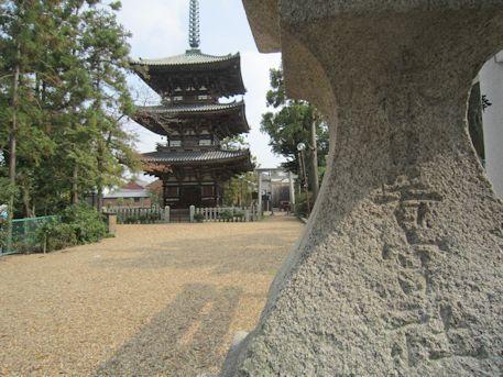 春日若宮神社の石灯籠