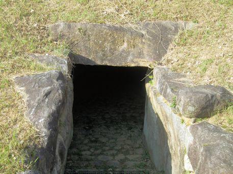 コロコロ山古墳の開口部