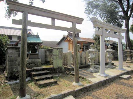 春日若宮神社の境内社