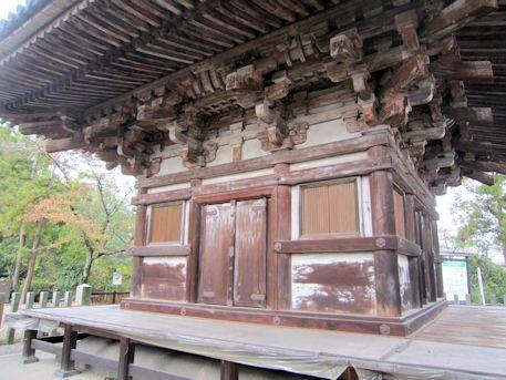 百済寺三重塔初層