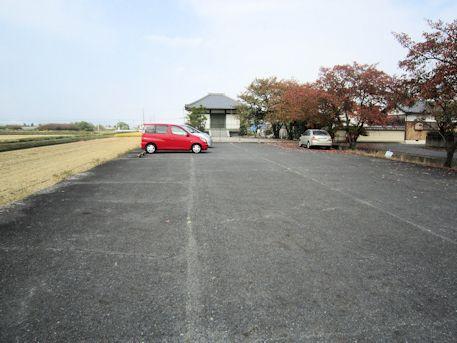 与楽寺駐車場