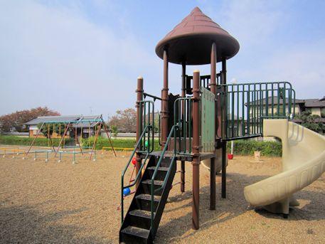 与楽寺前公園