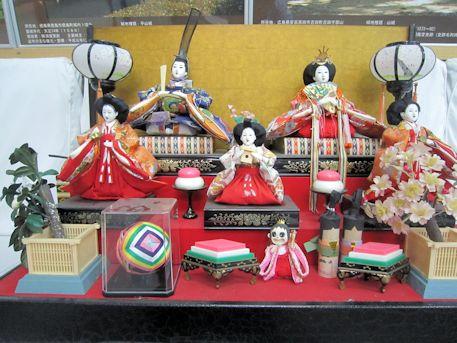 高取町の雛壇