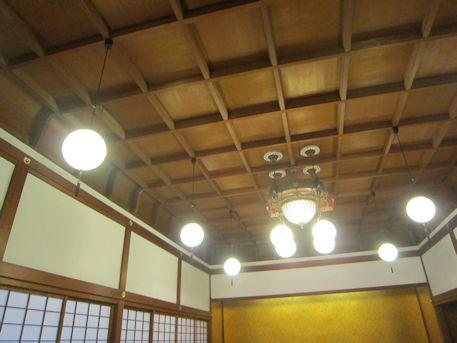上壇の間の格天井