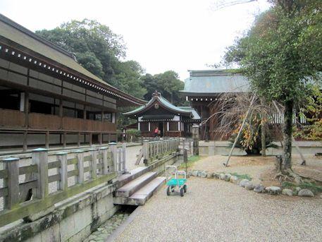 神楽殿と儀式殿