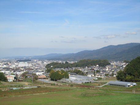 箸墓古墳と龍王山