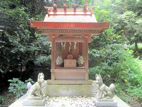 高鴨神社の稲荷社