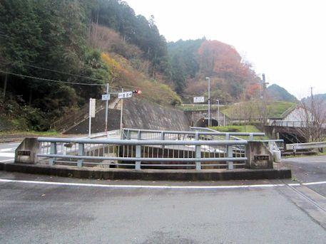 新鹿路トンネル