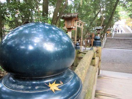 大神神社の擬宝珠