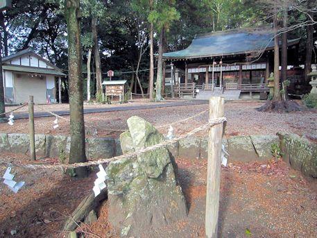 矢田坐久志玉比古神社の磐座