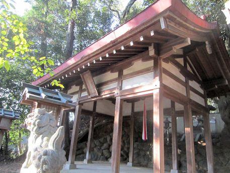 石寸山口神社拝殿