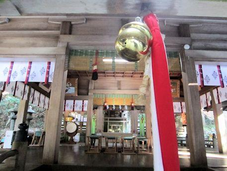 上津尾社拝殿