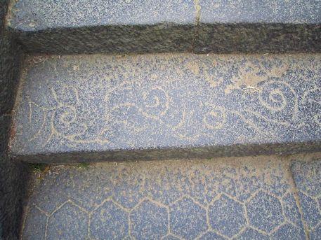 東大寺二月堂の線刻模様