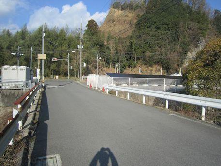 奈良交通バス停下尾口付近