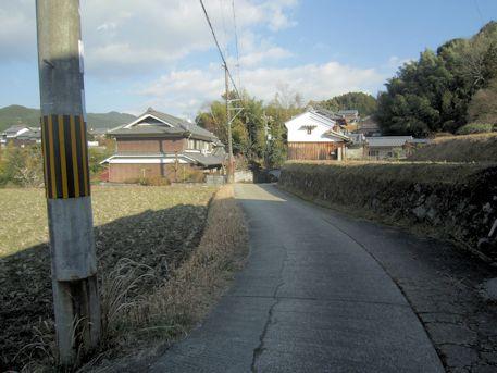 越塚古墳のアクセス道