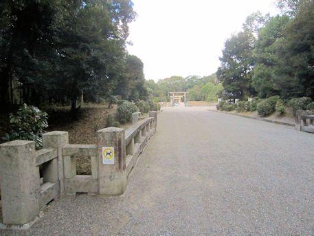 神武天皇陵参道の橋