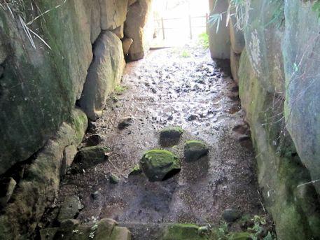 茅原狐塚古墳の石室