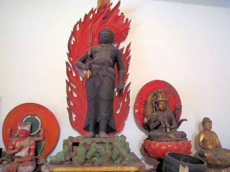 竹林寺本堂の不動明王