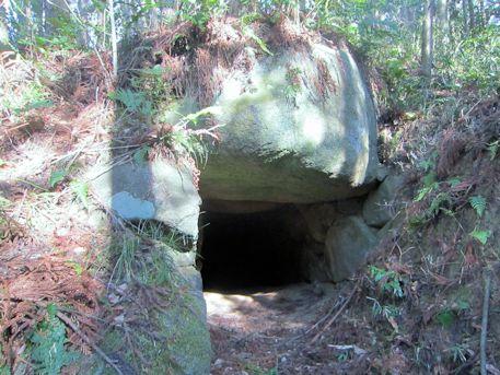 越塚古墳の横穴式石室