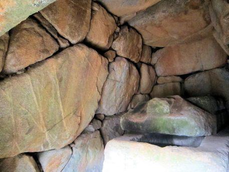 都塚古墳玄室の側壁