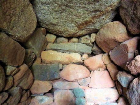 珠城山1号墳石室の持ち送り構造