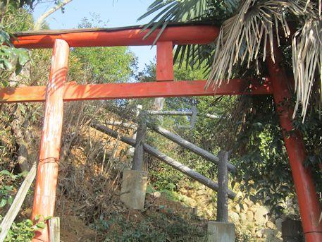 珠城山古墳群入口の鳥居